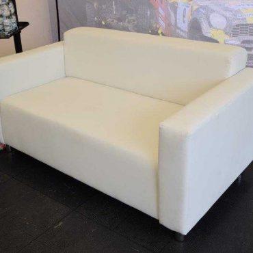 sofa-dwuosobowa-biała-1